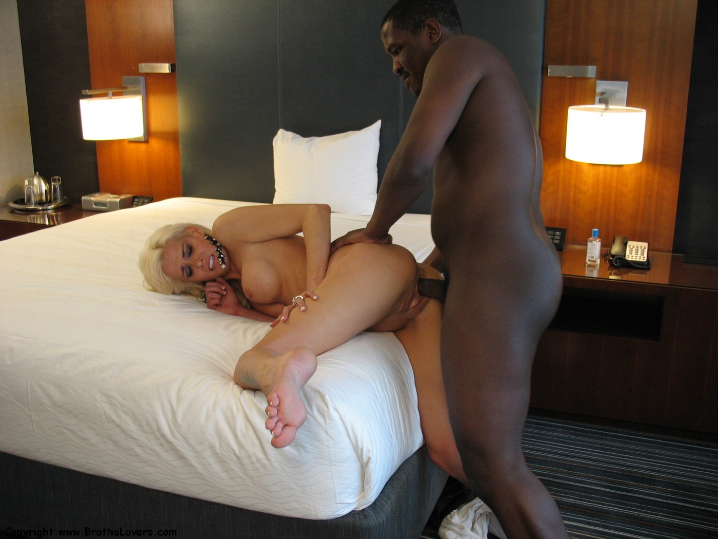 free pics of interracial lovers